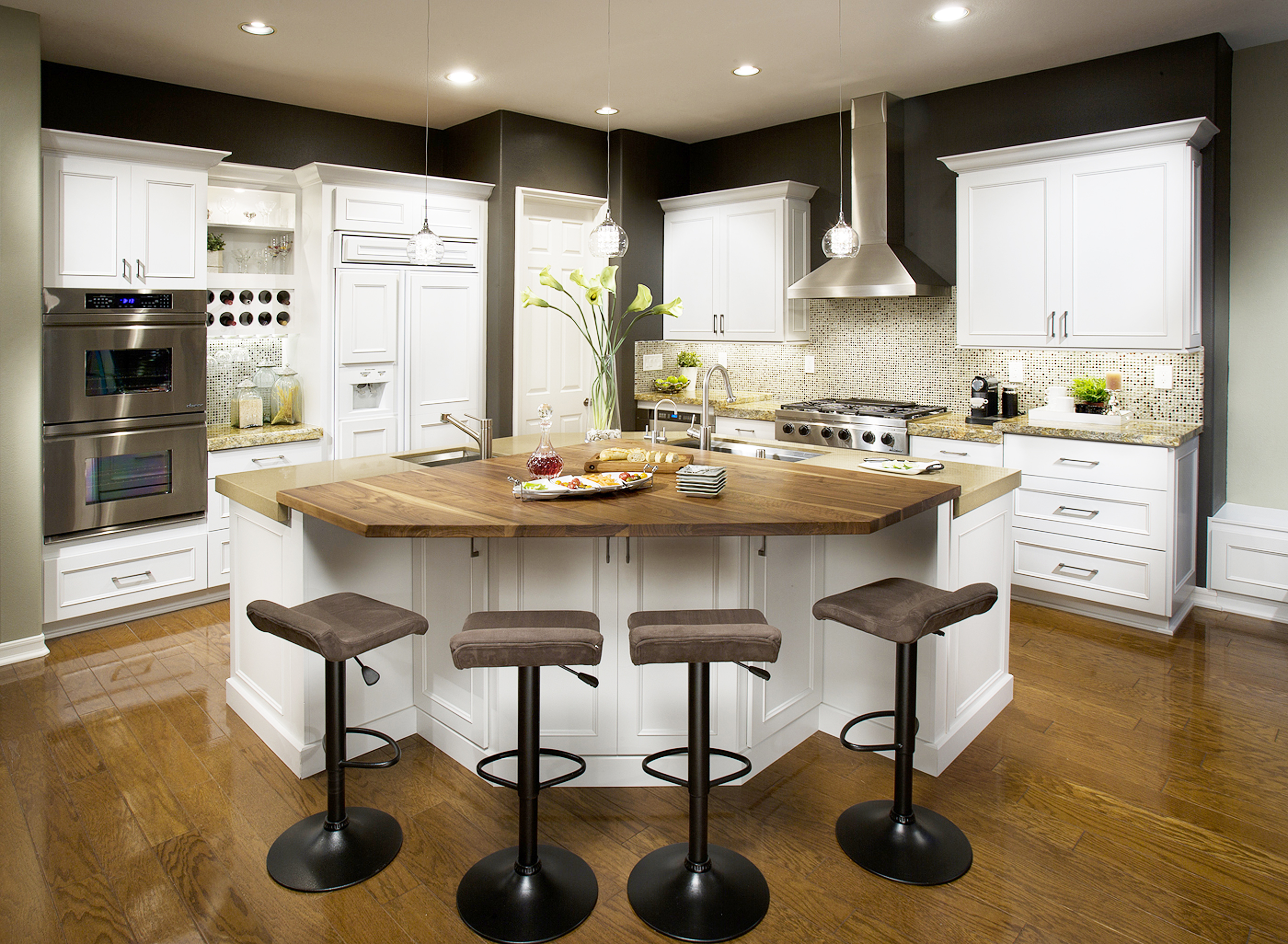 White Transitional Kitchen Cabinetry