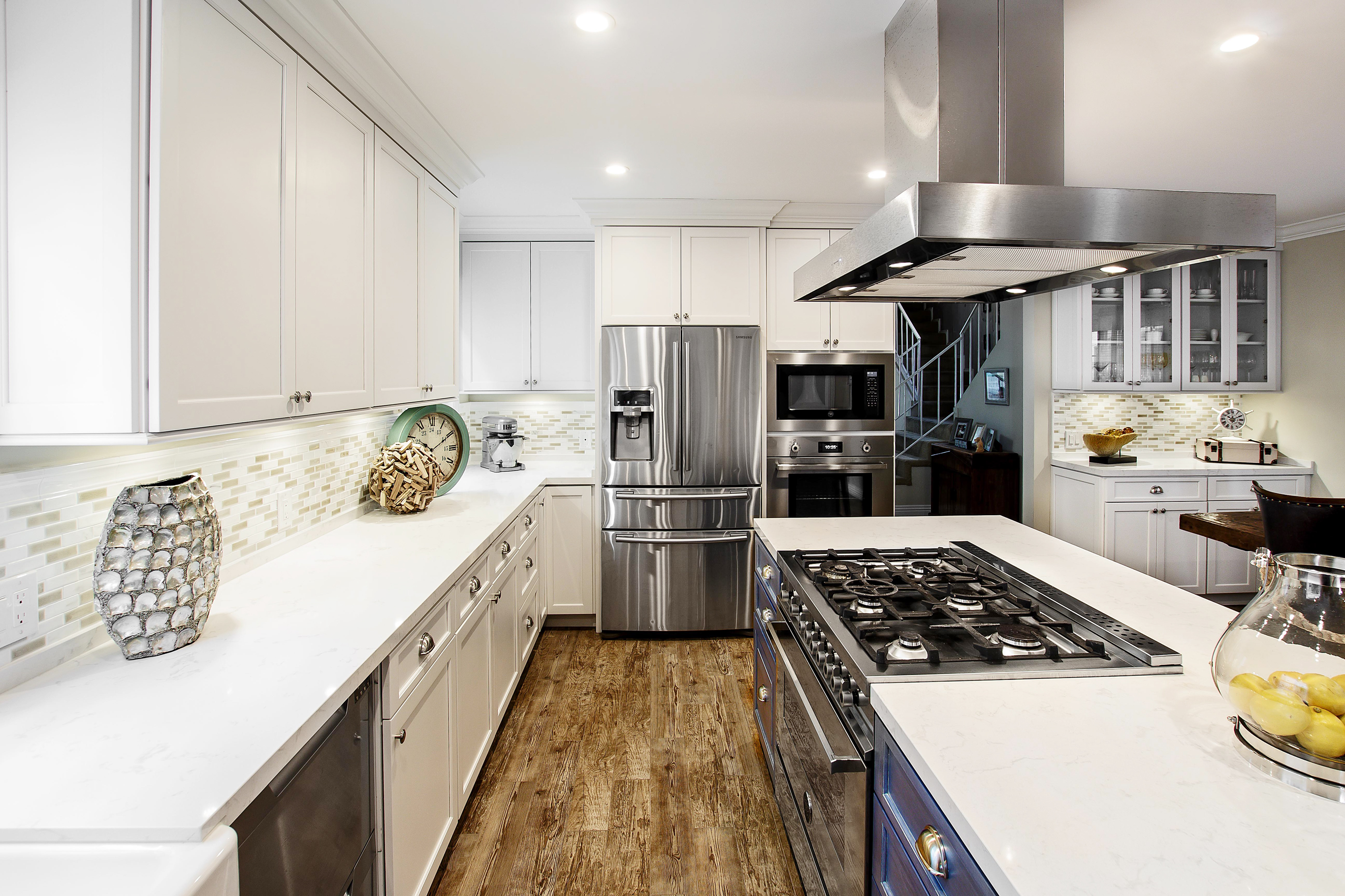 Shaker Kitchen Cabinets in Just White
