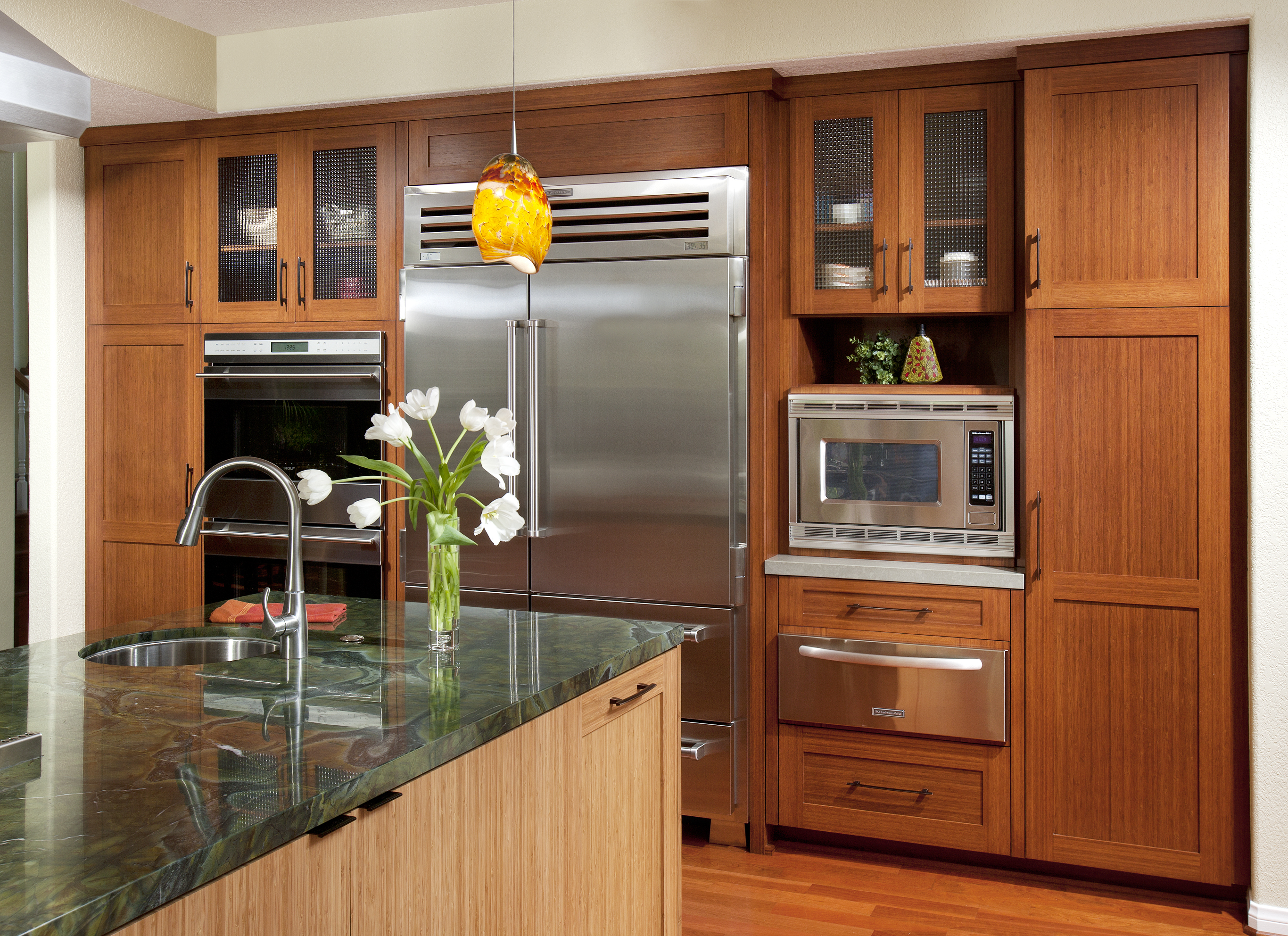 Kitchen Wall Cabinets in Bamboo