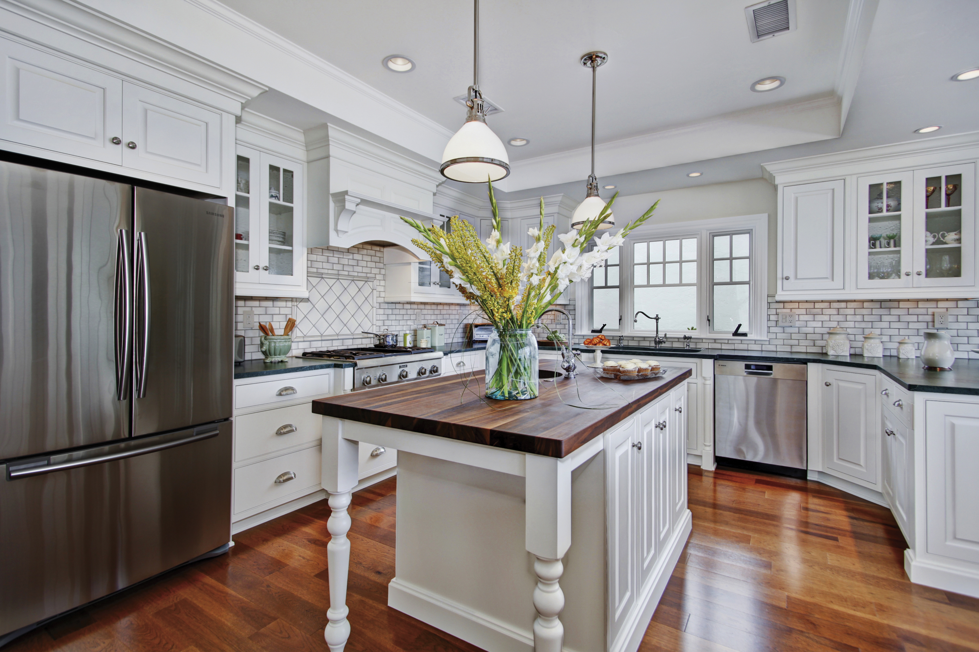 Colonial Coastal Kitchen