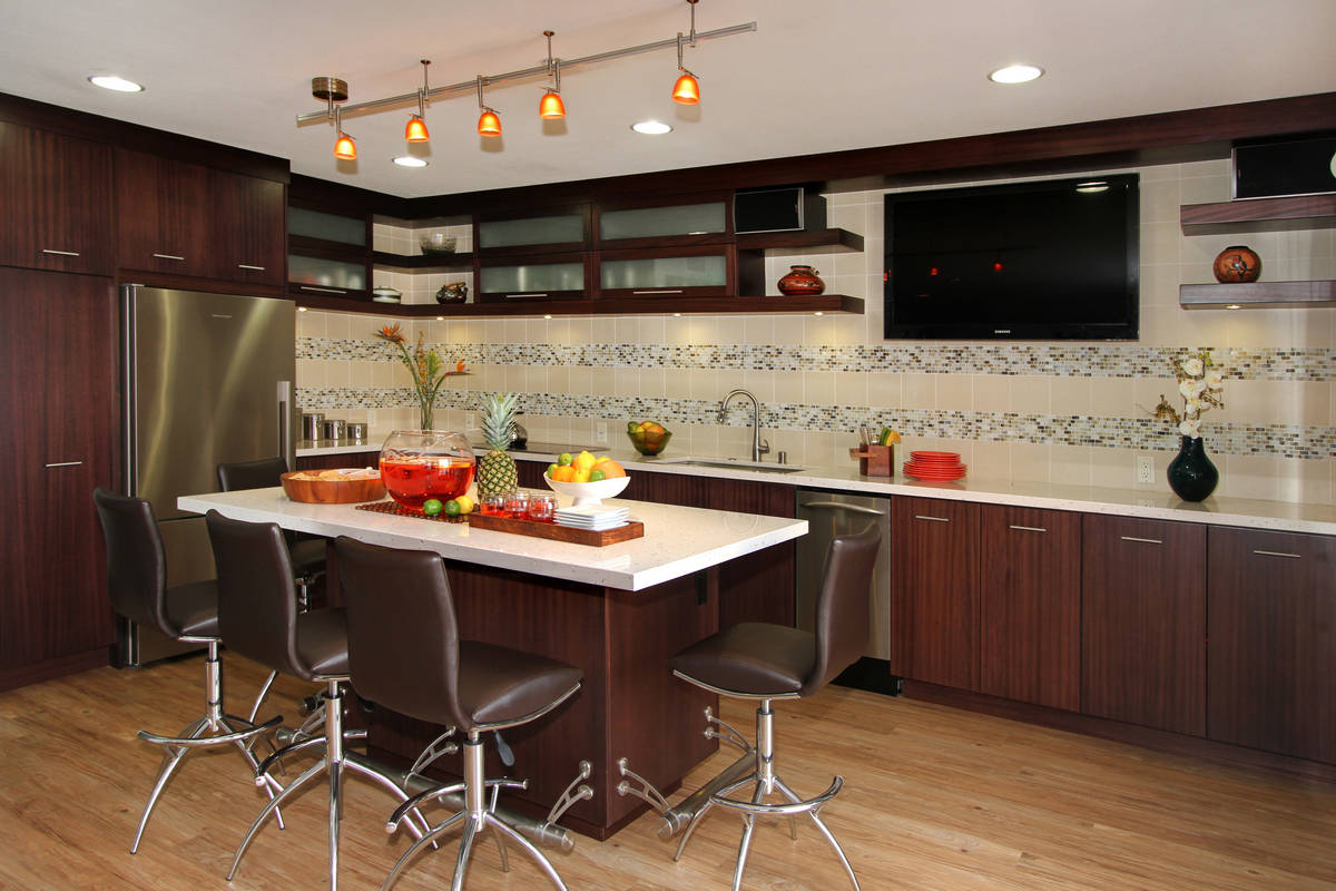 Modern Mahogany Kitchen