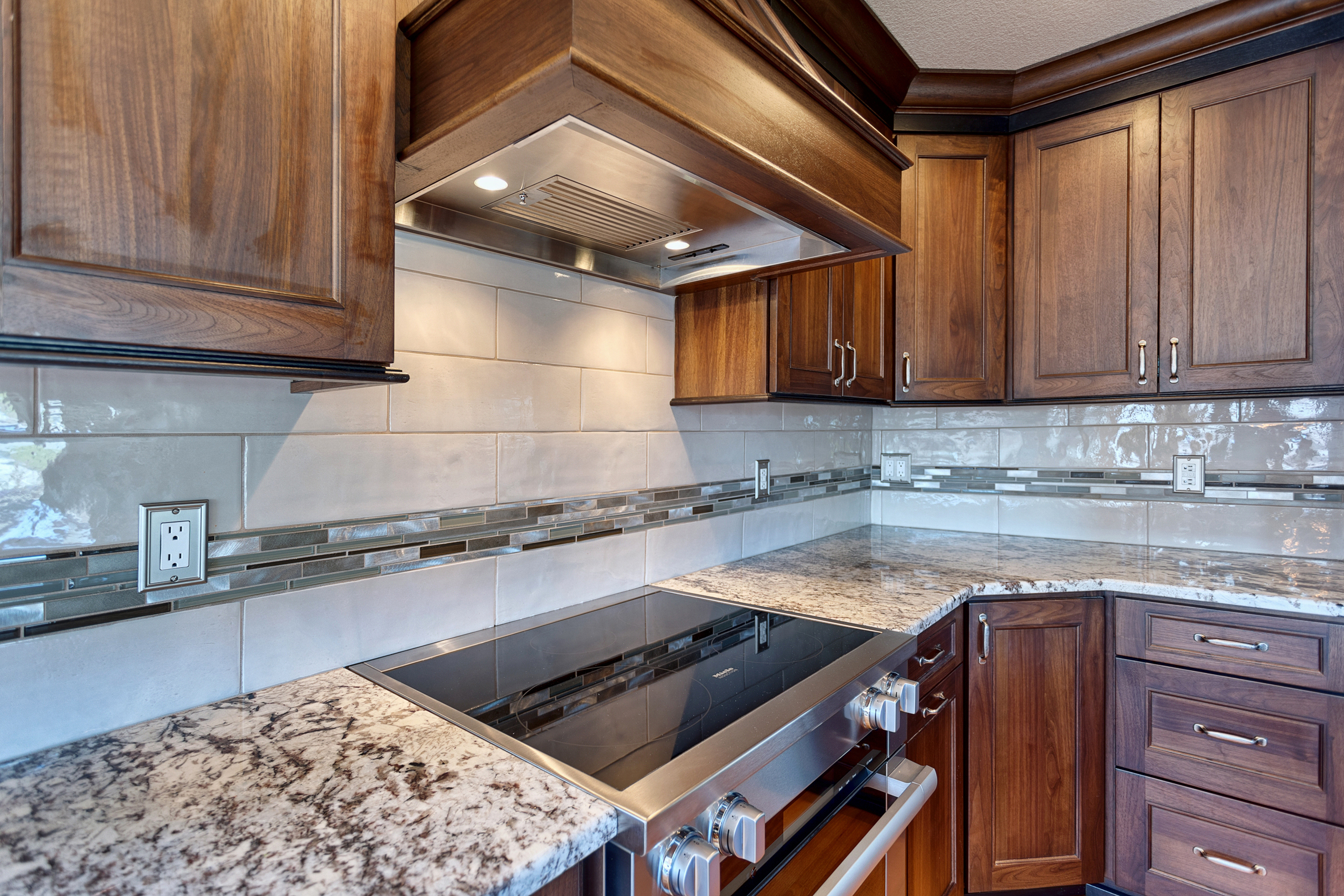 Lakewood Kitchen Cabinets