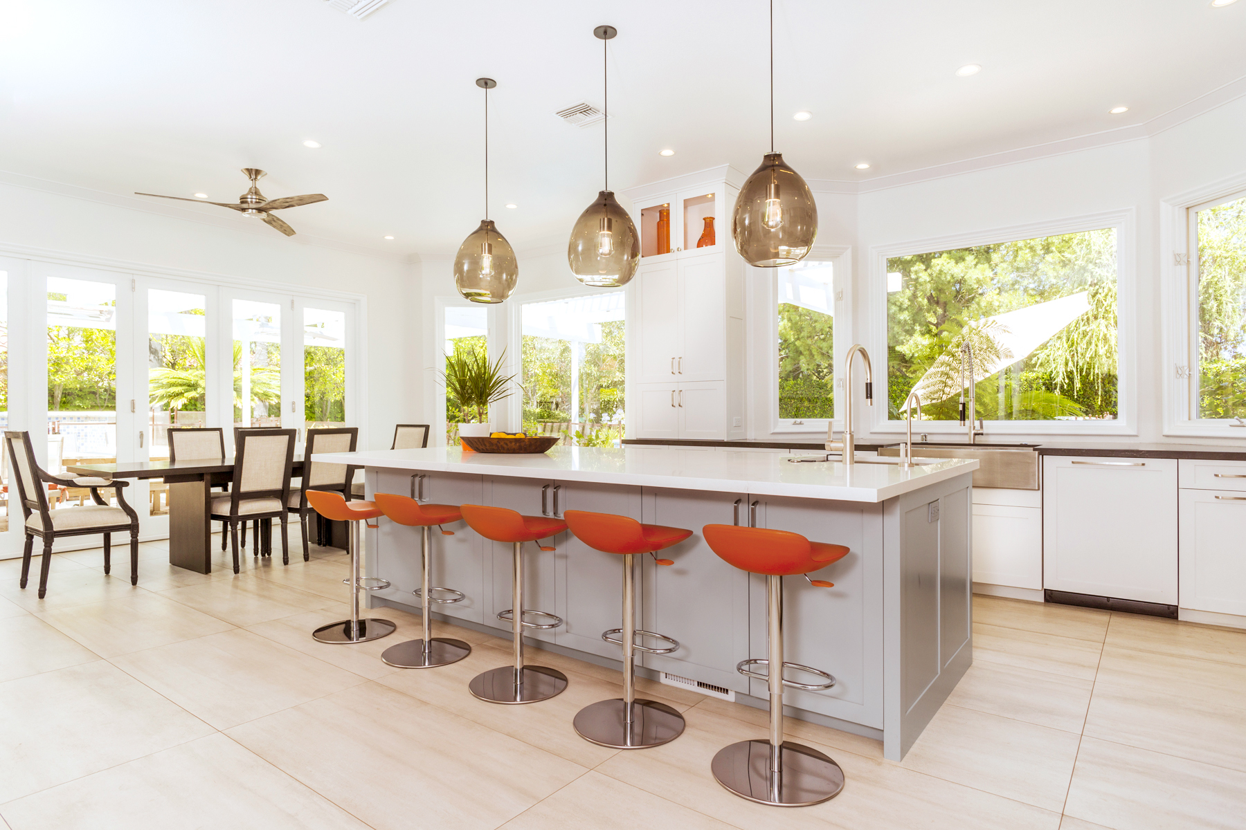 Modern White Shaker Style Kitchen Cabinets & Light Grey Island